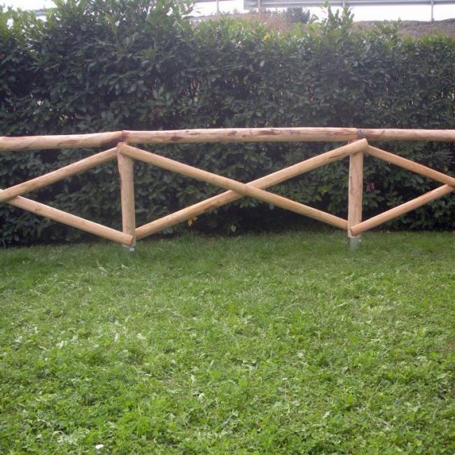 Staccionata croce s andrea in castagno scortecciato for Staccionata in legno brico