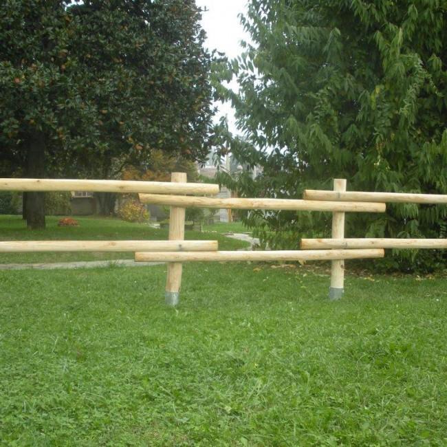 Staccionata valdostana a mezzi pali in castagno - Staccionata giardino ...