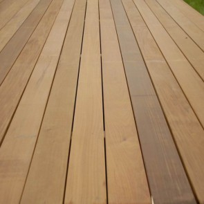 Pavimenti per esterni in legno onlywood onlywood for Timber decking materials