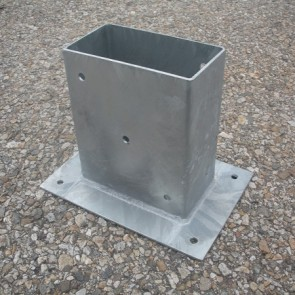 Staffa fissaggio su cemento per palo 18 x 9
