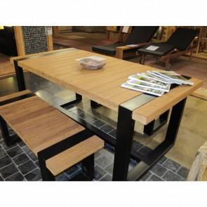 Tavolo con panche da esterno - legno teak e acciaio nero