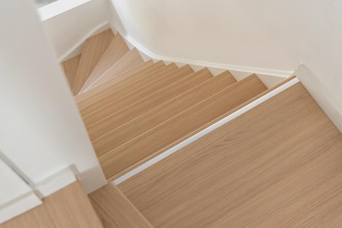 Pianerottolo per scale in legno