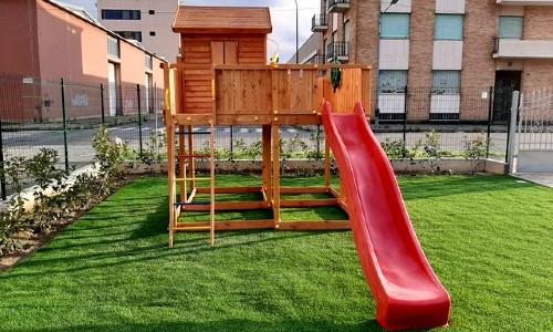 Parco giochi in legno per bambini