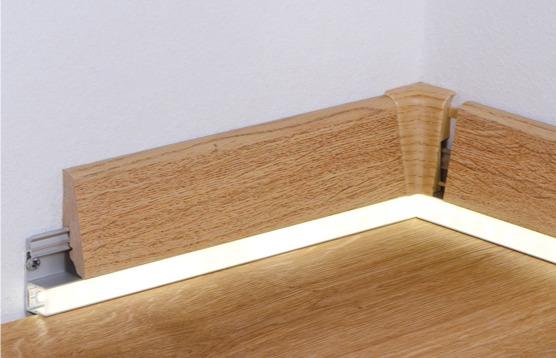 Battiscopa in legno led