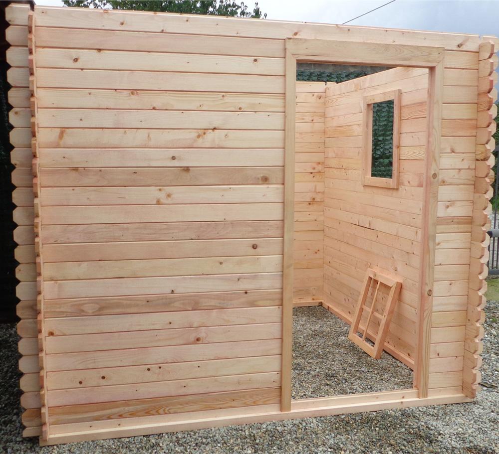 Casetta in legno da giardino ad incastro montaggio