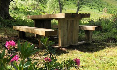 Tavolo da picnic in legno